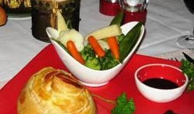 Mini Beef Wellingtons with Red Wine Sauce